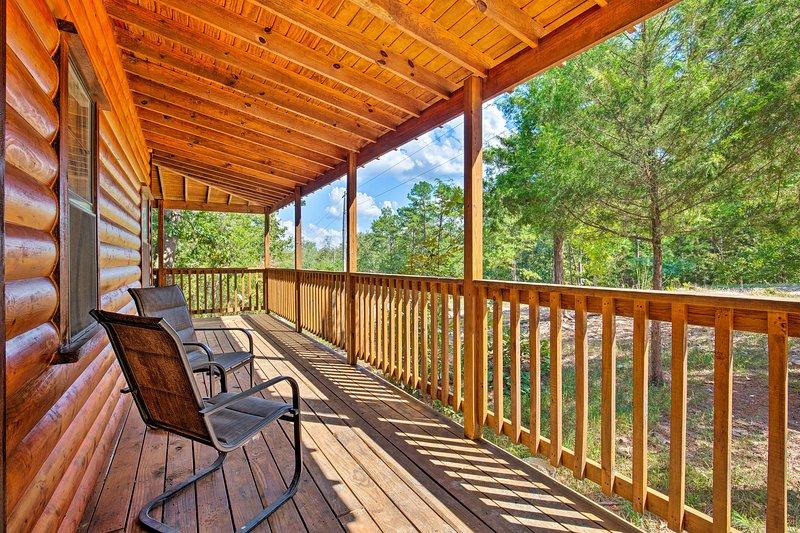 La relaxation viendra facilement dans cette cabine isolée, parfaite pour 8 personnes.