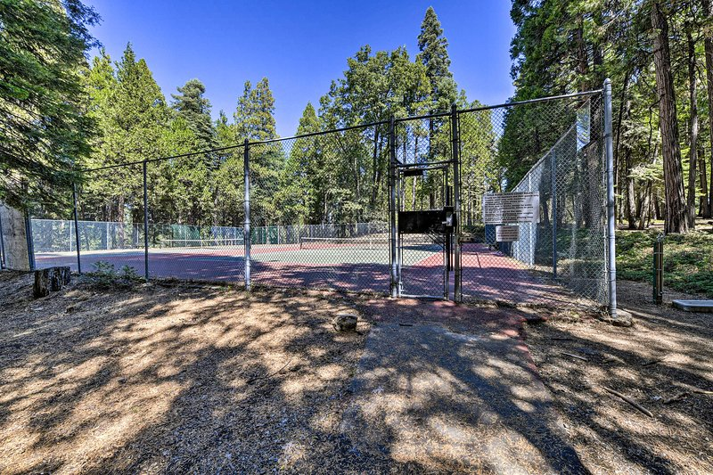 There are also tennis courts!