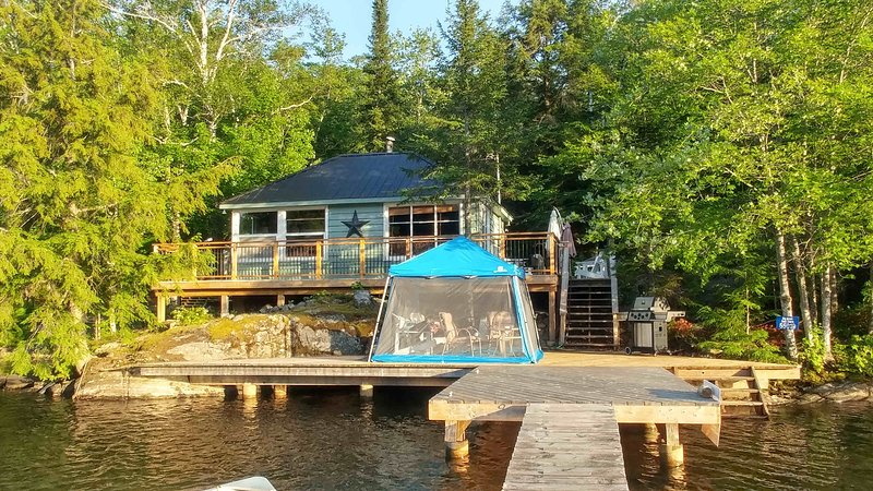 Amazing Island Paradise Waterfront Cottage, holiday rental in Algonquin Provincial Park