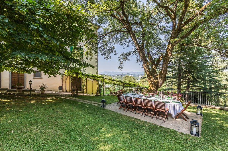 Arezzo Villa Sleeps 12 with Pool and Air Con - 5813770, vacation rental in Le Ville
