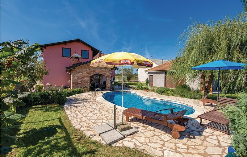 Beautiful home in Ozalj with 5 Bedrooms (CKB167), holiday rental in Karlovac County