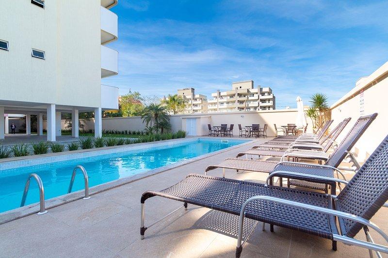 Aluguel Apartamento 2 quartos s/ 1 suíte Piscina Bombas/SC 419, vacation rental in Porto Belo
