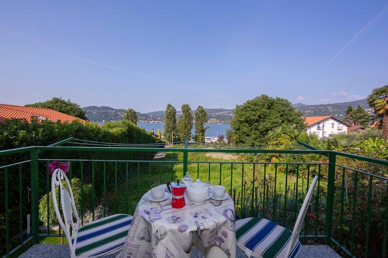 La Casa Sul Lago Maggiore, vacation rental in Angera