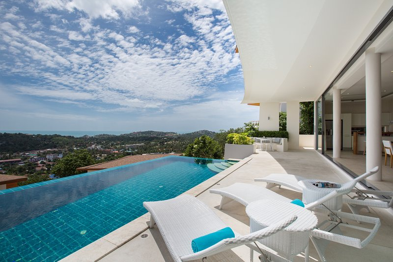 BLUE SAPPHIRE OCEAN VIEW, holiday rental in Choeng Mon