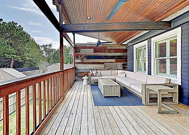 Charming House in Popular East End Neighborhood w/ Upstairs Deck, holiday rental in Nashville