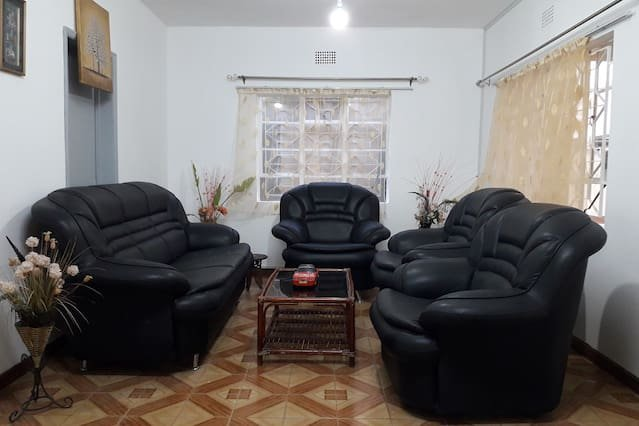 Spacious apartment with terrace, holiday rental in Moka