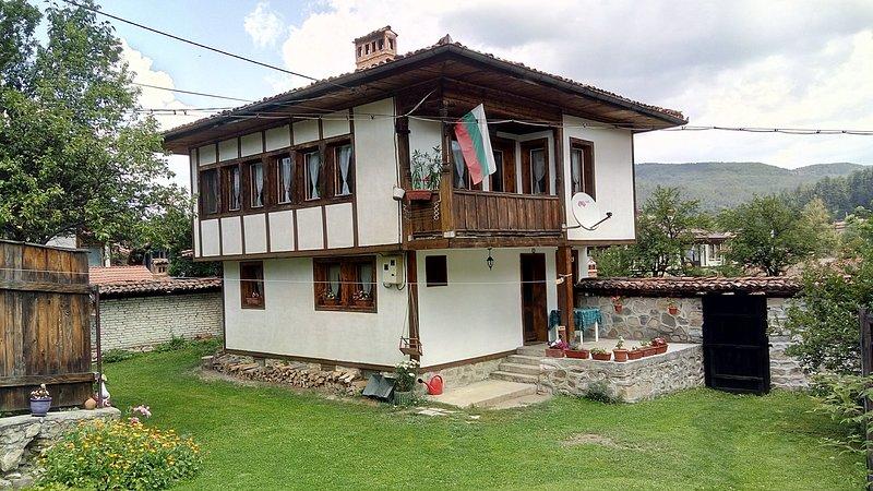 Lyutova house, location de vacances à Ribaritsa
