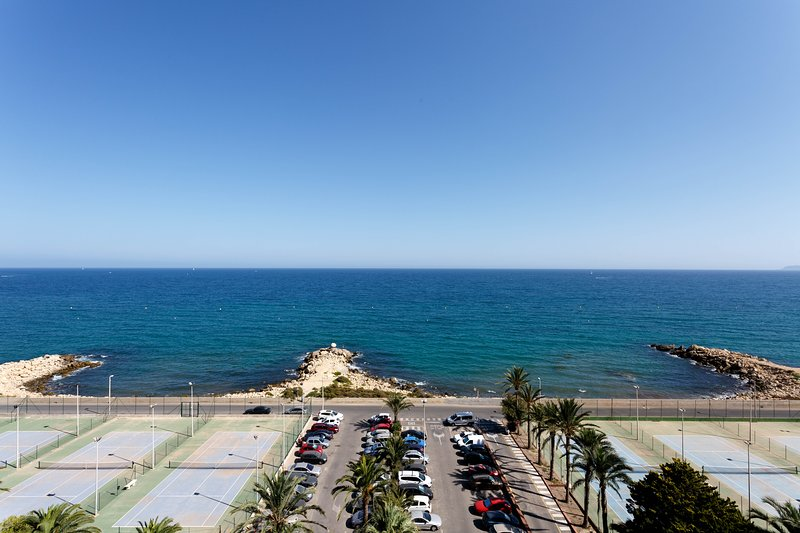 APARTAMENTO CON VISTAS ESPECTACULARES, holiday rental in Alicante
