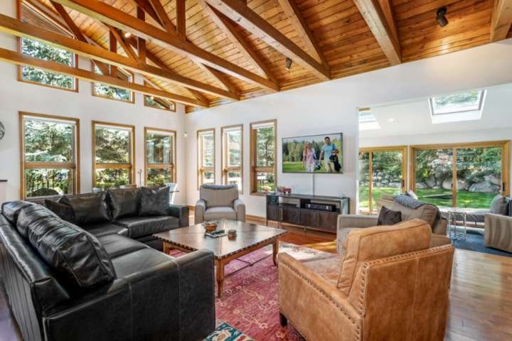 Newly Renovated Luxury Mountain Home w/ Private Hot Tub. Minutes from Beaver Cre, vacation rental in Eagle-Vail