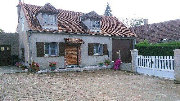Nice house in Saint-Père & Wifi, vacation rental in Pouilly sur Loire