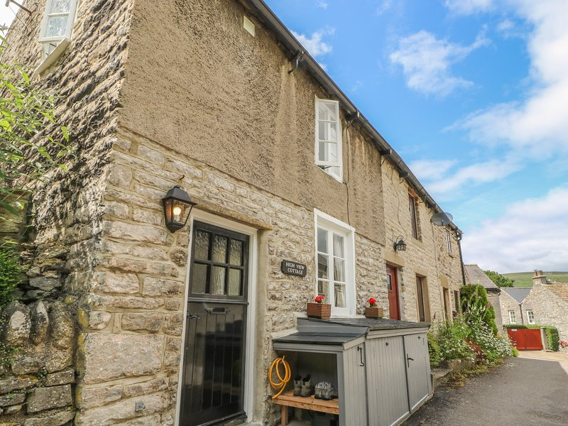 HIGH VIEW COTTAGE, Romantic, Open-plan living, En-suite, Castleton, vacation rental in Rochdale