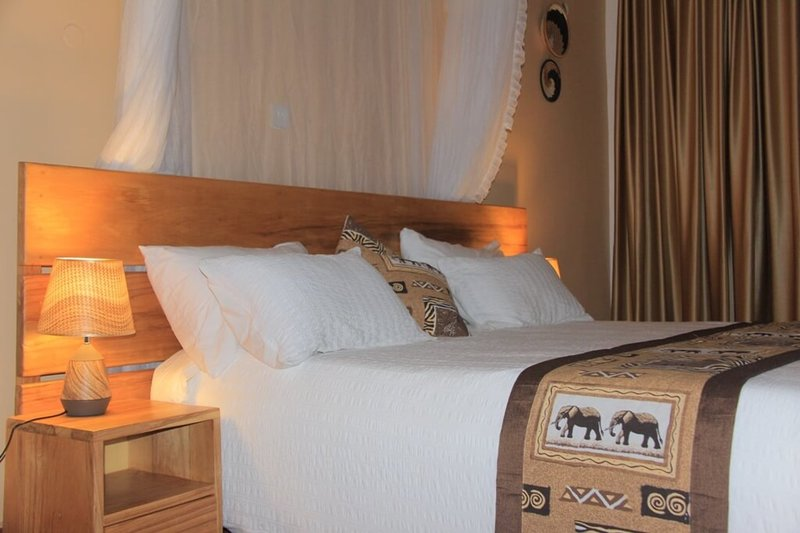 Kisubi Cottages (Deluxe), holiday rental in Bwerenga