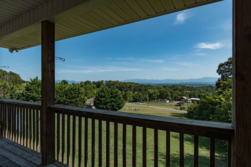 2BR Smokey Mountains Getaway, holiday rental in Jefferson City