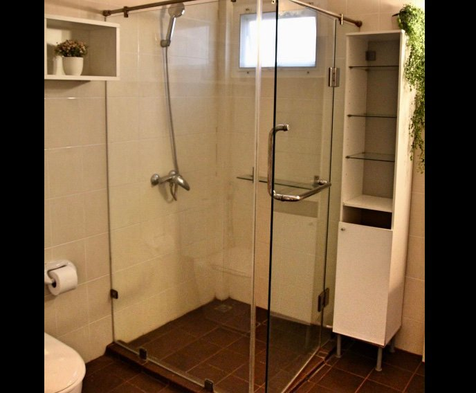 2 bathrooms both with walk in shower