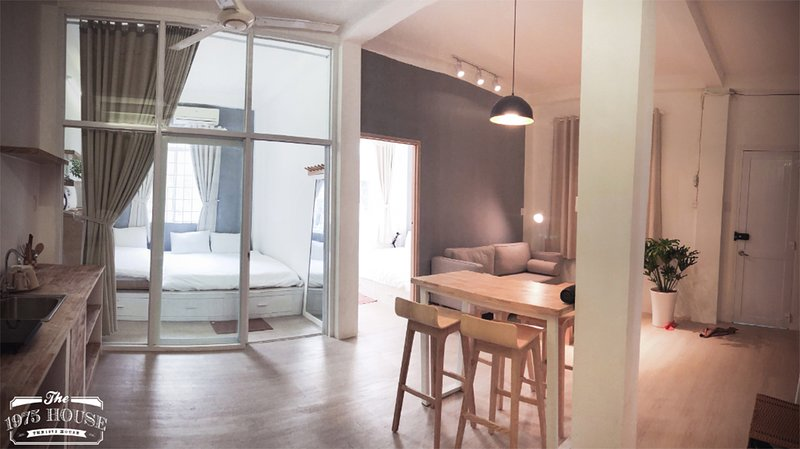 The 1975 House 7 - Bui Vien Backpacker Area - City Central, holiday rental in Ho Chi Minh City