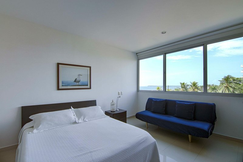 Spacious apartment with sea view, pool and terrace!, holiday rental in La Boquilla