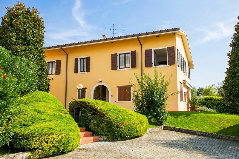 Bardolino Garden Pool & Tennis, alquiler vacacional en Cisano
