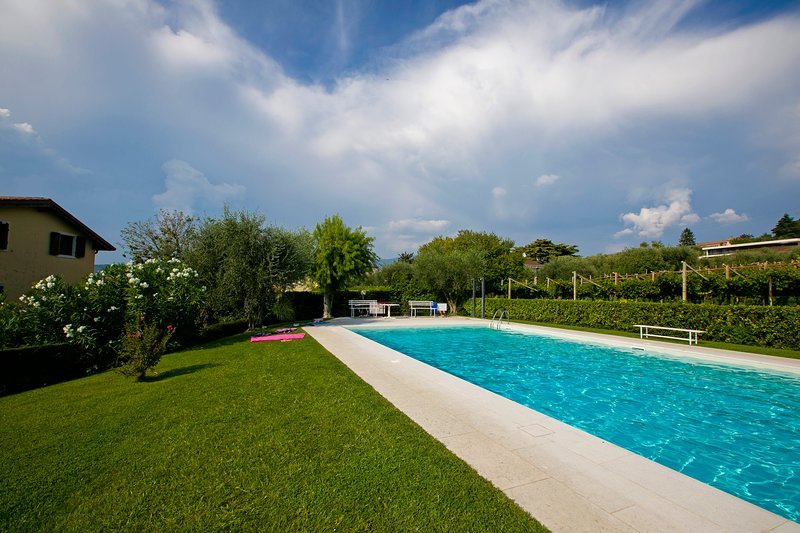Bardolino Garden Pool & Tennis, holiday rental in Bardolino