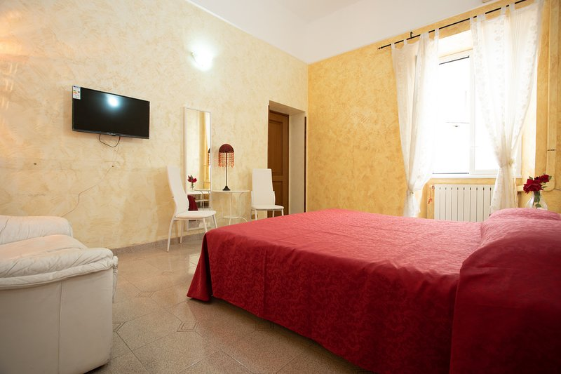Queen Room with shared bathroom Chalet in Rome