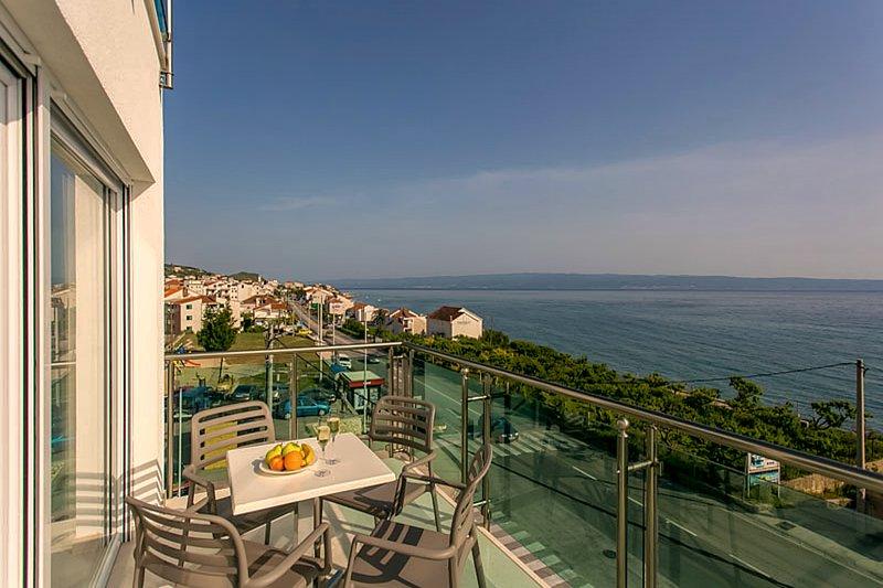 Ringo Apartments 2 – Luxury Two-Bedroom Apartment, holiday rental in Podstrana