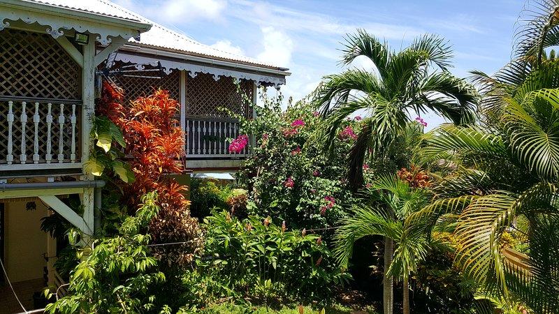 Appartement PAPAY dans belle villa créole avec piscine à 5 mn de la Pointe Faula, alquiler de vacaciones en Le Vauclin