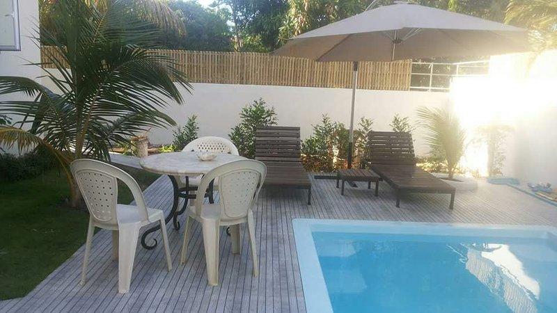 Apartment with swimming-pool, location de vacances à Pointe aux Biches