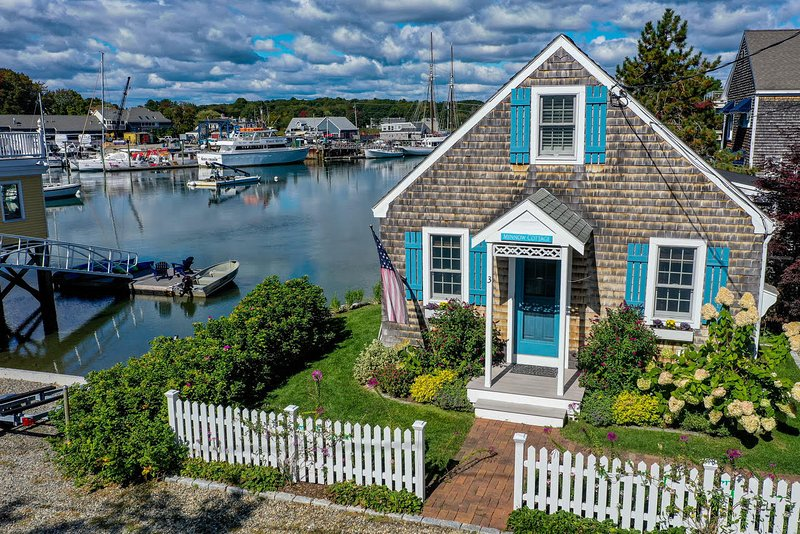 Waterfront cottage in Dock Square, vacation rental in Kennebunkport