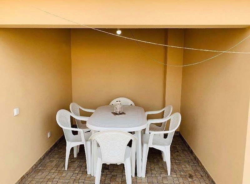 Spacious house near the beach, vacation rental in Pedrogao
