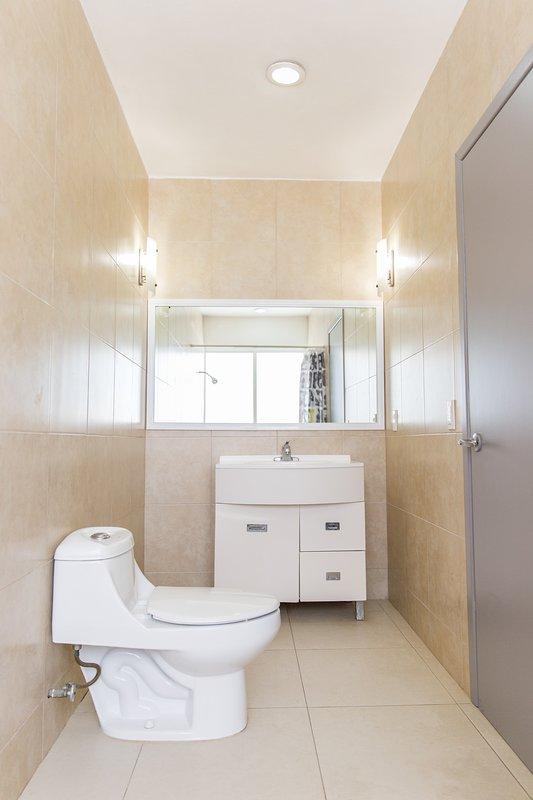 bagno-WC e lavandino