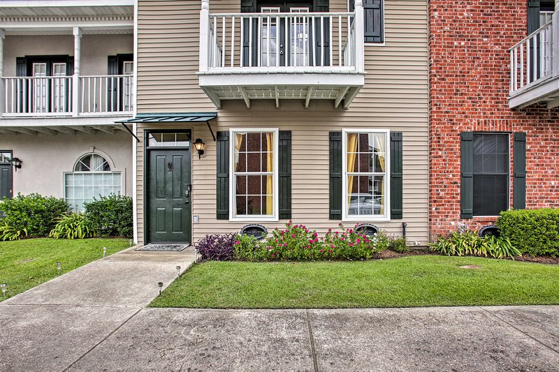 Updated Baton Rouge Townhouse ~2 Mi to LSU!, vacation rental in Inniswold