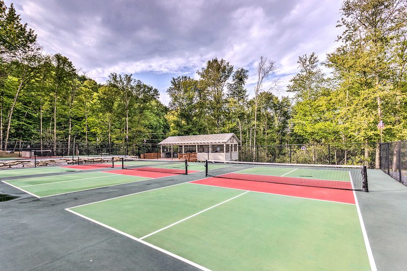 Experience the best of Beech Mountain from this vacation home!