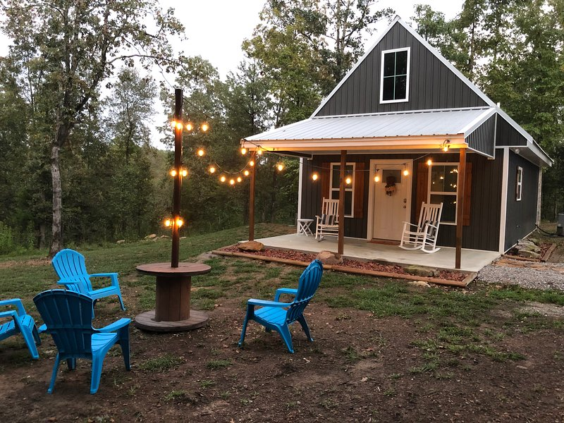 Brand New Tiny Cottage~Galloway's Getaway Unit #3 (Greers Ferry Lake), casa vacanza a Drasco