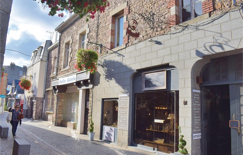 Awesome apartment in Paimpol with  (FBC696), holiday rental in Lezardrieux