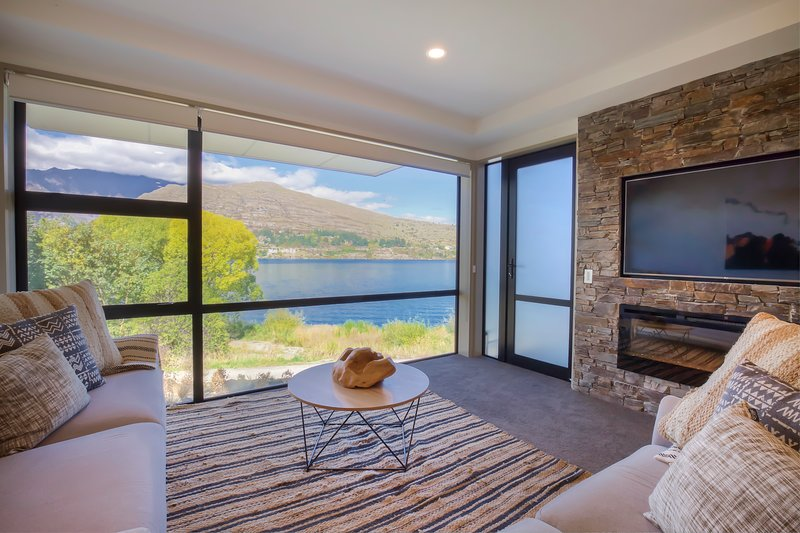 Absolute Lakefront, Absolute Bliss, holiday rental in Lower Shotover