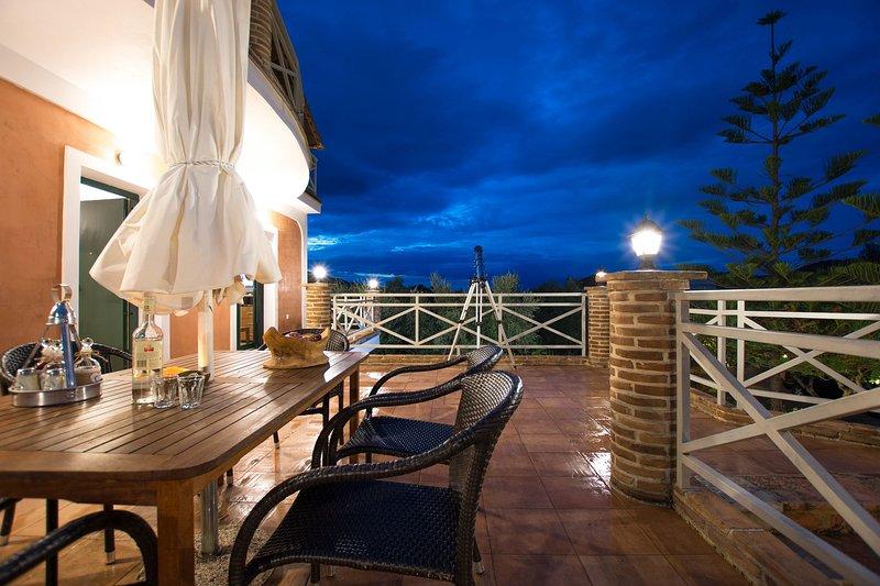 Eleonas Giovani 2 Bedroom House, aluguéis de temporada em Kallithea