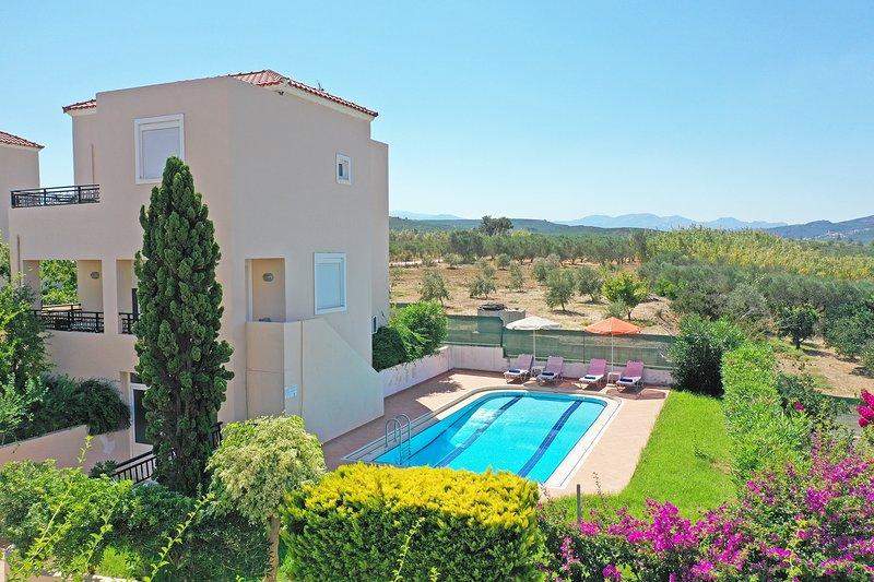Modern villa,Walking distance to beach,Private pool,Near tavern,Chania 7, alquiler de vacaciones en Rapaniana
