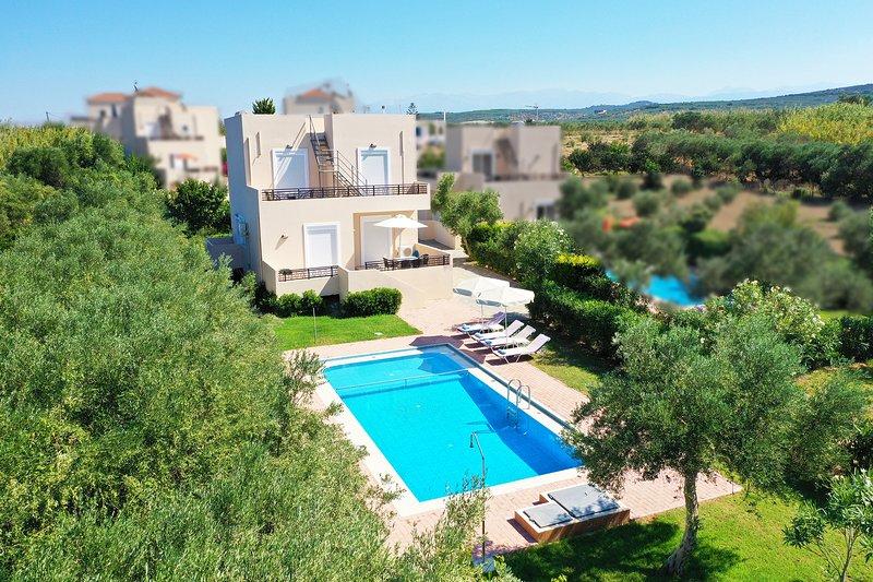 Modern villa,Walking distance to beach,Private pool,Near tavern,Chania 4, alquiler de vacaciones en Rapaniana