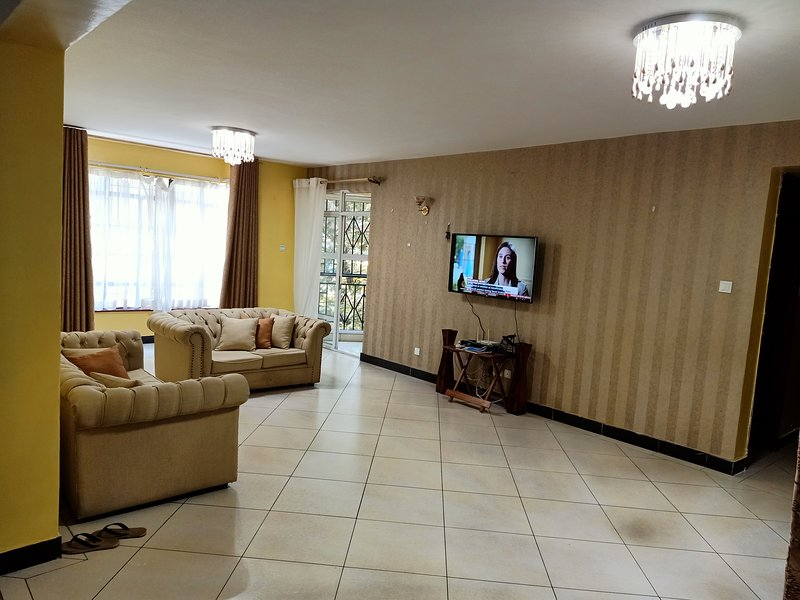 Coz four bedroom apartment in Nairobi, alquiler de vacaciones en Lavington