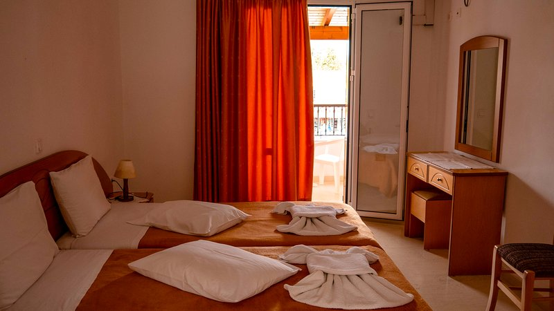 Upper Floor Studio, holiday rental in Agios Stefanos