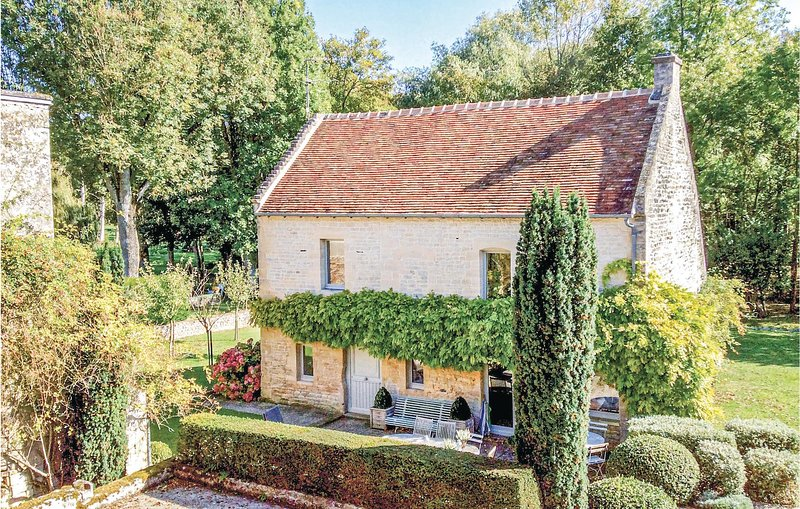 Elegant cottage in rural settings (FNC005), location de vacances à Reviers