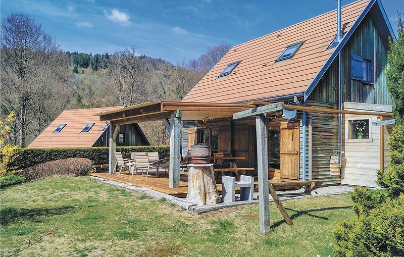 Beautiful home in St. Maurice S/Moselle with WiFi and 3 Bedrooms (FTV701), holiday rental in Bussang