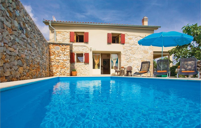 Awesome home in Krk with WiFi and 2 Bedrooms (CKK468), holiday rental in Garica