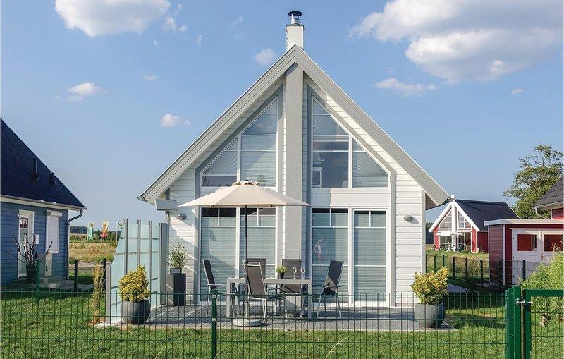 Stunning home in Zerpenschleuse with 2 Bedrooms (DBB411), aluguéis de temporada em Biesenthal