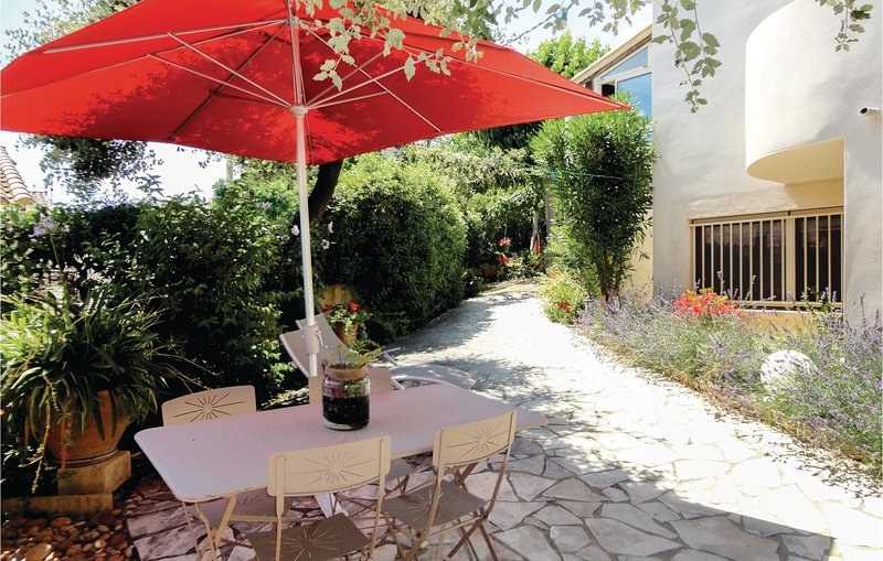 Awesome home in Pignan with 1 Bedrooms (FLH070), casa vacanza a Saint-Georges-d'Orques
