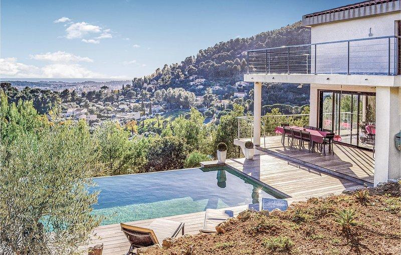 Stunning home in La Valette du Var with WiFi and 3 Bedrooms (FCV329), holiday rental in La Valette-du-Var