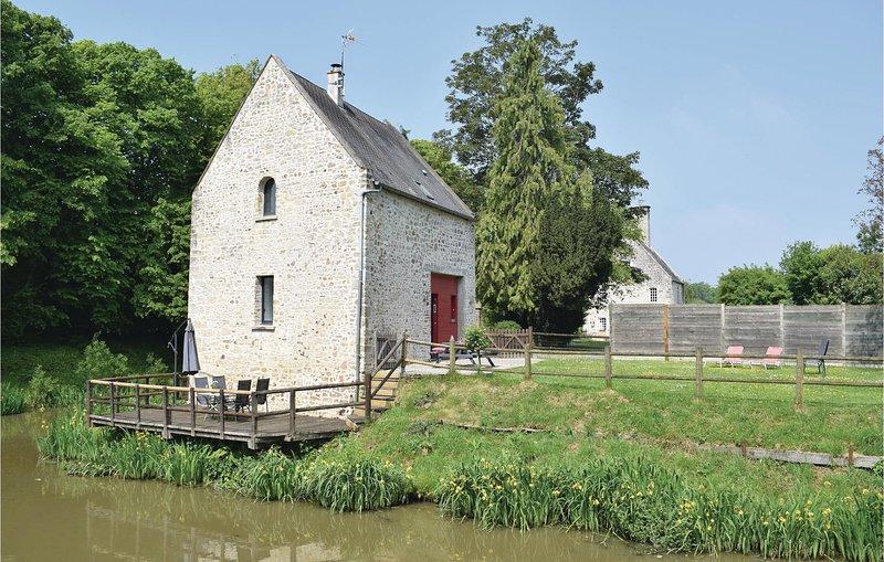 Awesome home in Auxais with WiFi and 2 Bedrooms (FNM175), location de vacances à Saint-Michel-de-la-Pierre