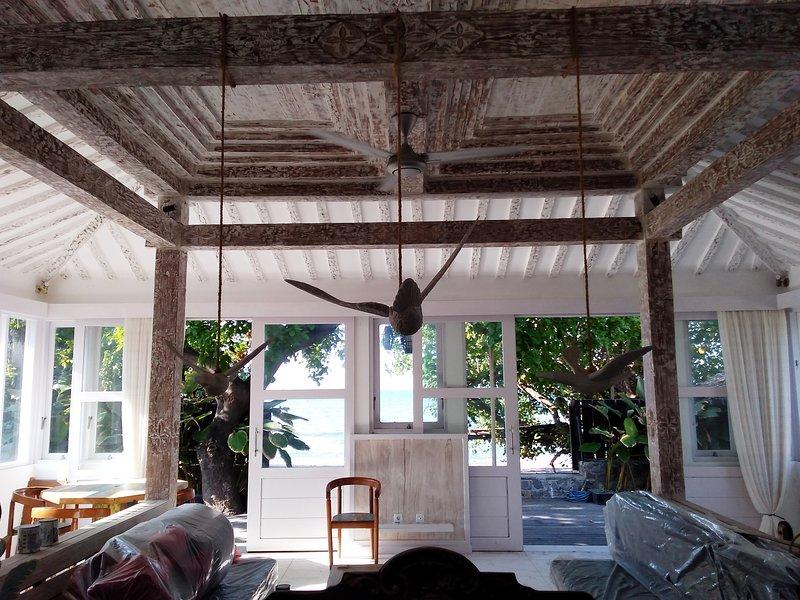 Beach Villa Kayumanis Bhv, casa vacanza a Banjar