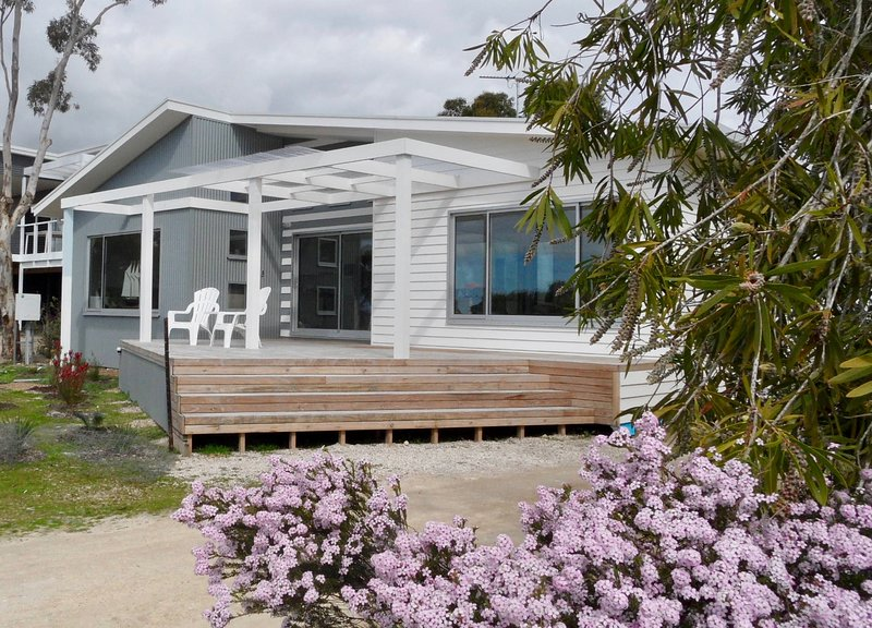 WHITE SHELLS HOLIDAY RENTAL, holiday rental in Kingscote