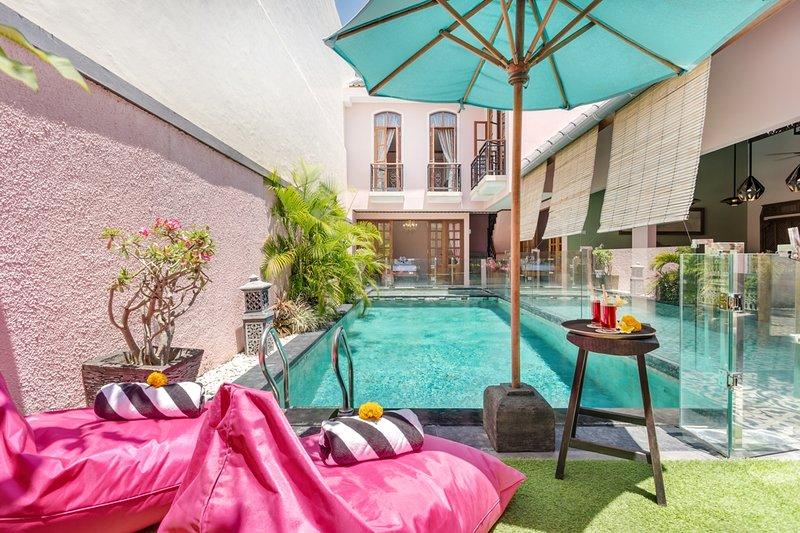 Villa Casa Adeline, 3 bedrooms Villa in Umalas, location de vacances à North Kuta