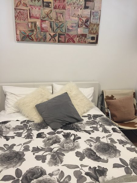 Cosy Bedroom 15 min To Everything, holiday rental in Auckland Central